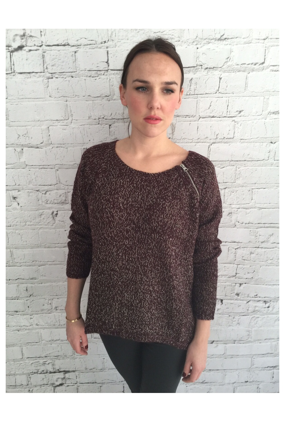 Vero Moda Knitting Yarns : Vero moda open knit jumper with zip detail red